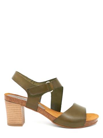 Mia Loé Leder-Sandaletten in Khaki