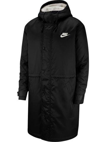"""Nike Płaszcz """"NSW"""" w kolorze czarnym"""