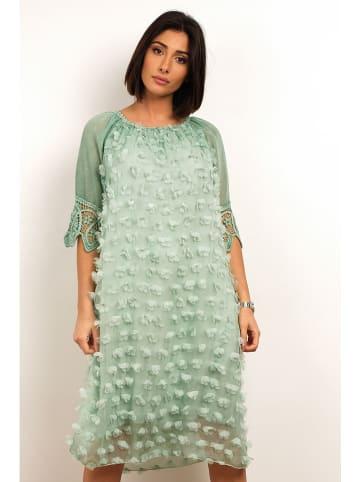 """Plus Size Fashion Sukienka """"Sofia"""" w kolorze jasnozielonym"""