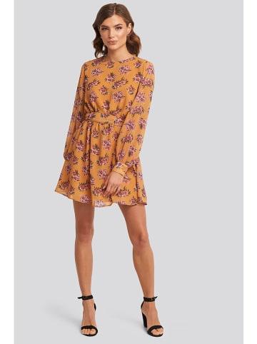 NA-KD Sukienka w kolorze brzoskwiniowym