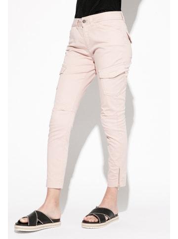 Indies Spodnie cargo w kolorze jasnoróżowym
