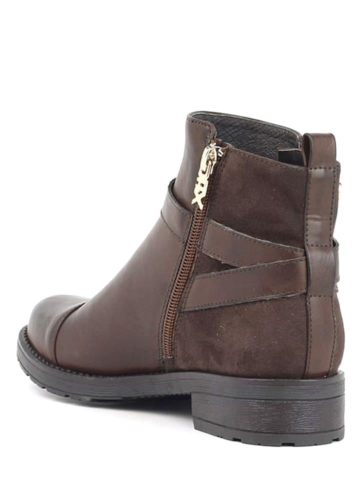 Xti Boots in Braun