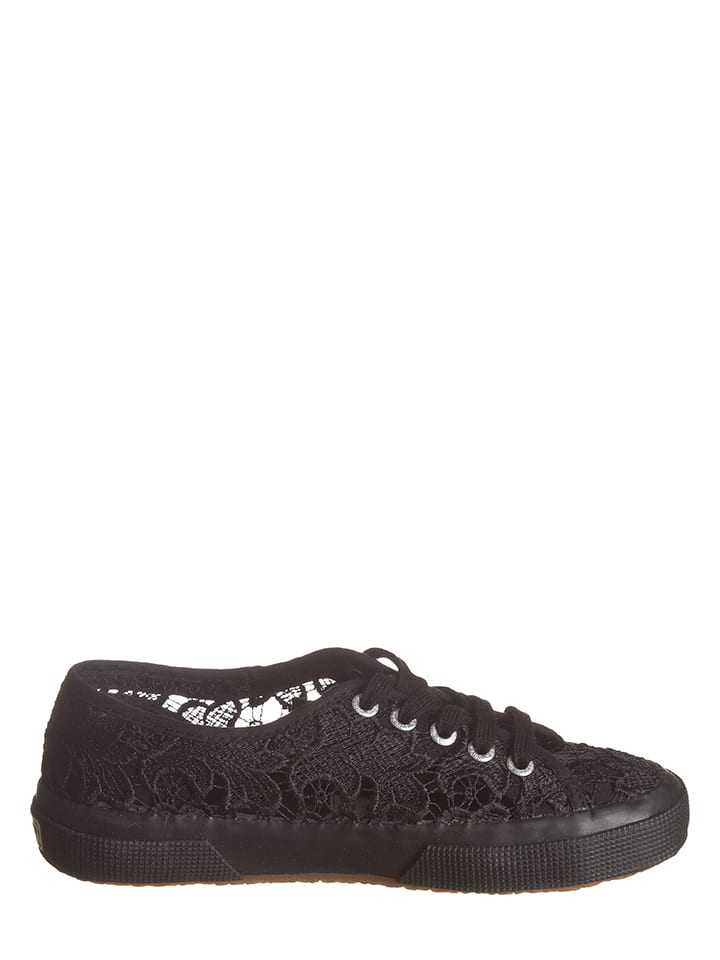 "Superga Sneakers ""Macramew"" in Schwarz"