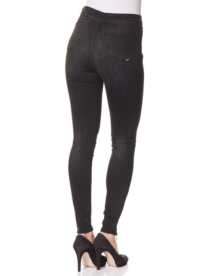 Bench Jeans in Schwarz