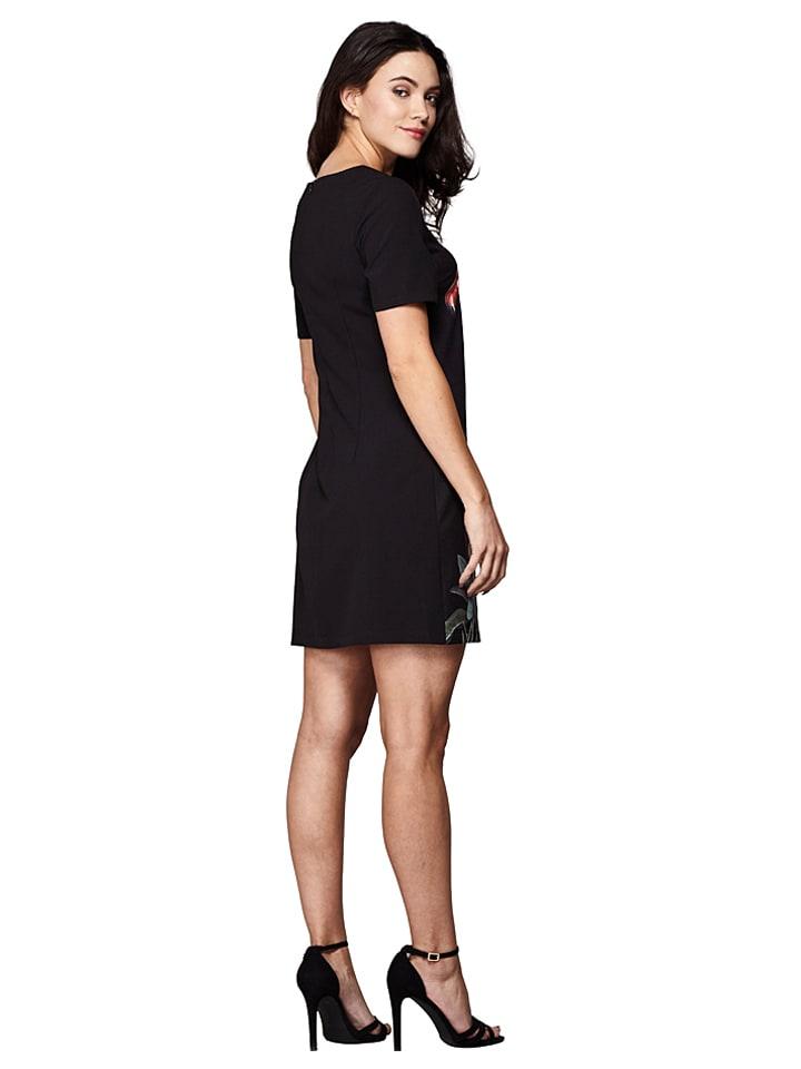 Yumi Kleid in Schwarz