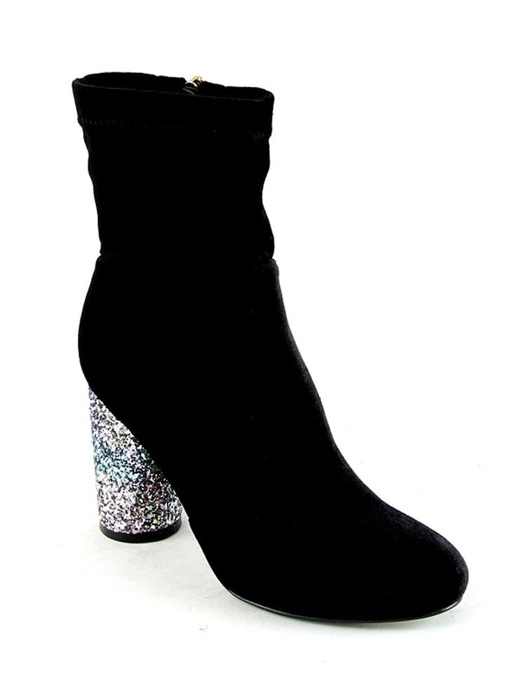 Billigste Zum Verkauf Angebot Zum Verkauf Moow Stiefeletten in Schwarz - 66% Footlocker Bilder Online Günstige Preise Zuverlässig Steckdose Mit Paypal Um 4IiN5c4
